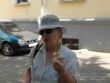 Мама с мороженым
