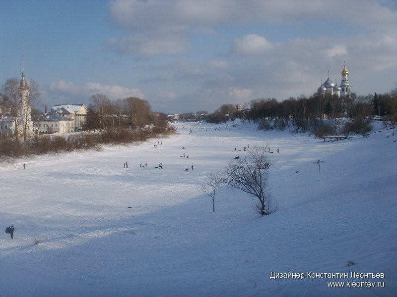 Вид на реку и вологодский кремль