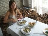 Внутри фольги вкусное мясо и картошка