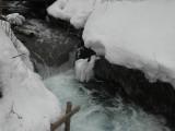 Водопад у Голубого озера