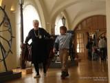 Данил просвещает смотрителя музея