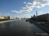 Фото вид с моста на Москву-реку