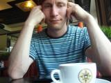 За чашкой чая в кафе