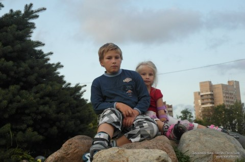 Мальчик с девочкой