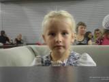 Девочка за столом