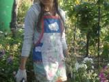 Настя в саду
