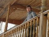 Турист на балконе