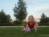 Девочка на роликах