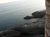 Скальный пляж под стенами старого Ульциня