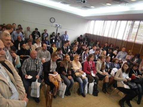 Публика в зале Красные ворота