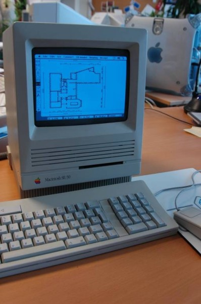 1986 - Apple Macintosh ArchiCAD 2
