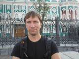 У дома Севастьянова