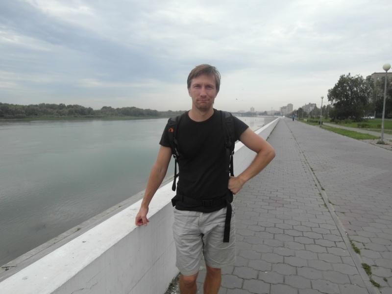 На набережной Иртыша в Омске