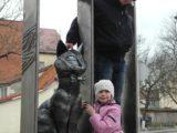 Памятник-карусель с кошками в Зеленоградске