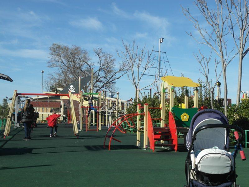 Детская площадка на набережной 2 декабря
