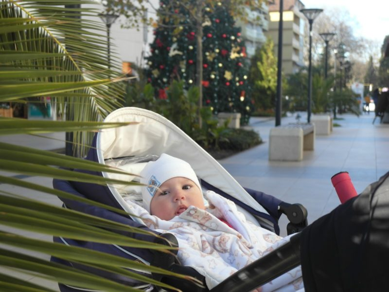 У елки в ТЦ Мандарин 13 декабря